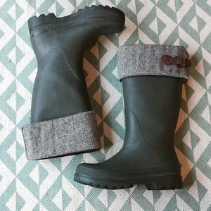 Cole Haan Nike Air Tweed & Green Rain Boots Sz 7B